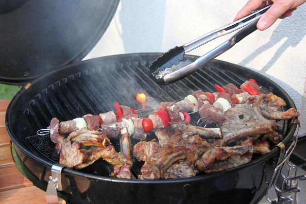 Rezept Spareribs Vom Gasgrill : Spare ribs mit bbq soße und u ecrunchyu c kartoffelstampf rezepte