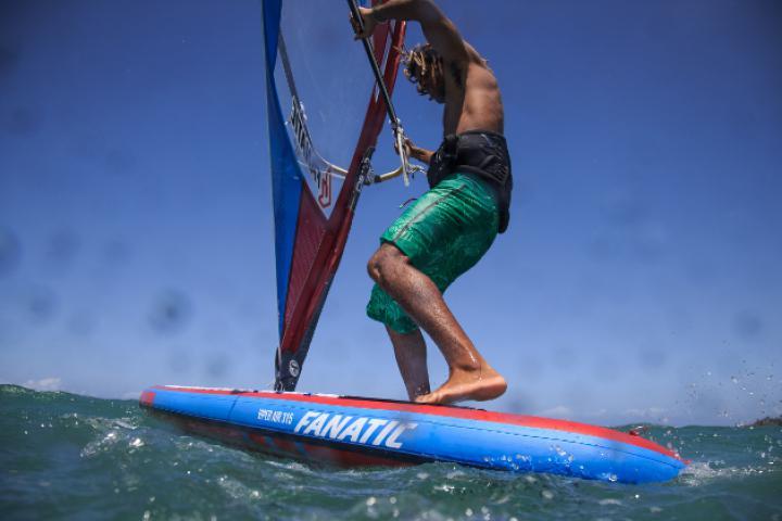 Allroundtalent SUP Board – Paddeln, Touren und jetzt auch Windsurfen