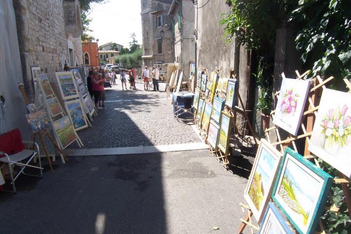 1, 2, Tlè - Kunstmarkt in Bardolino