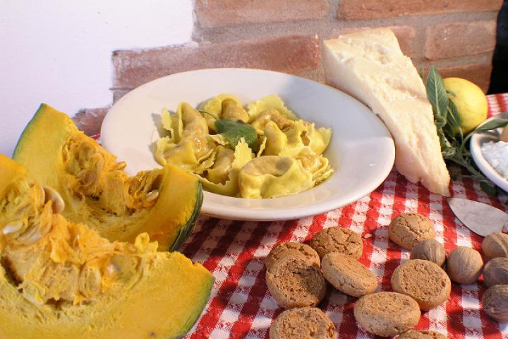 Die klassischen Tortelli di Zucca – Tortelli mit Kürbisfüllung