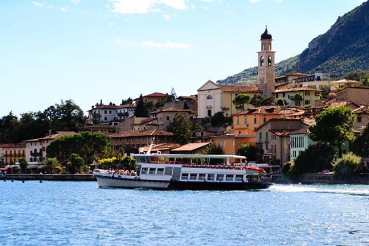 Navigarda: Schifffahrt und Fährverbindungen am Gardasee