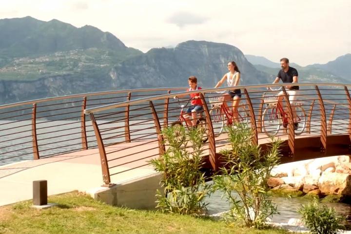 Neuer Rad- und Wanderweg am Seeufer von Brenzone