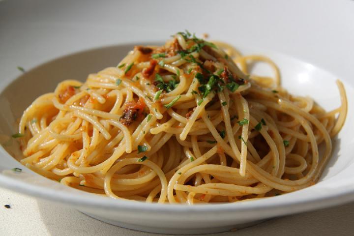 Spaghetti con le Sarde – Spaghetti mit Sardinensugo